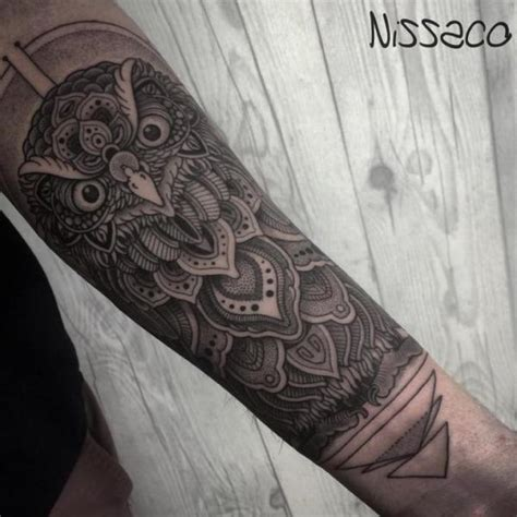 arm eulen dotwork tattoo von nissaco