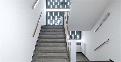 come pitturare una ringhiera colori parti condominiali facciate esterne e pareti interne