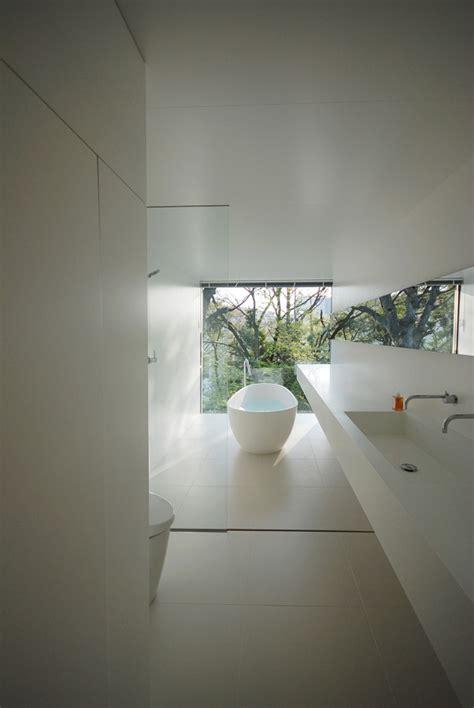 bagno lungo ristrutturare un bagno lungo e stretto come sfruttare al