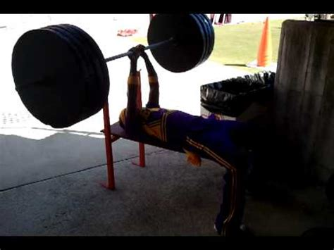 bench press 1000 lbs tonio white bench press 1000 lbs youtube