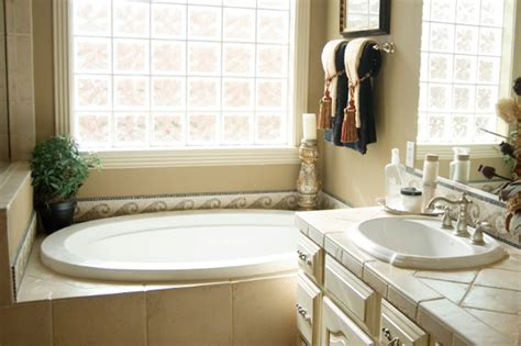 guest bathroom decorating ideas 5 guest bathroom decor ideas