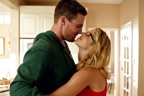 Dons Carpet by 15 Reasons Why Olicity From Arrow Is The Best Couple On Tv