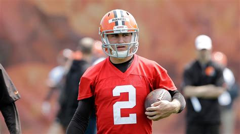 manziel bench manziel bench johny manziel flips off redskins bench after browns loss