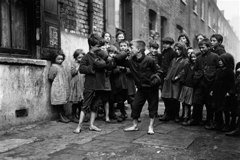 pictures stunning black  white images show bygone