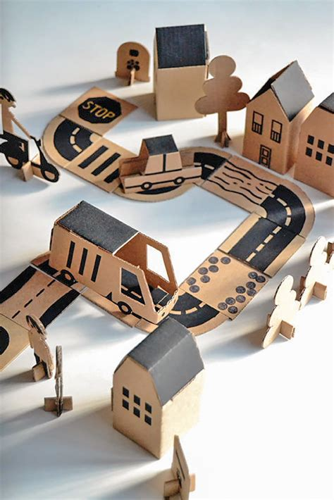 Mainan Maps City Of Cars planes trains and automobiles handmade