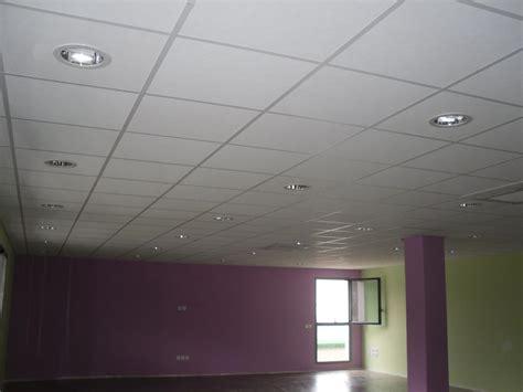 Faux Plafond Ossature Métallique by Cuisine Ment Poser Un Faux Plafond Sur Ossature M 195