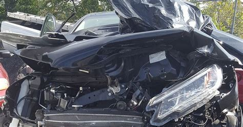 car seat cocooning in crash s shocking car crash photo will make sure you always