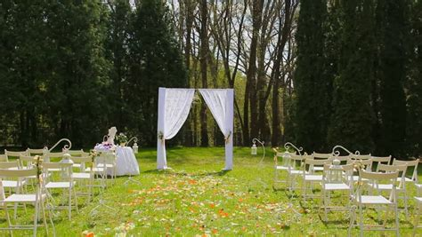 Wedding Aisle Set Up by Wedding Set Up In Garden Park Outside Wedding Ceremony