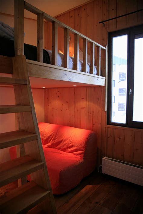 mezzanine style bedroom best 25 mezzanine bed ideas on pinterest loft beds for
