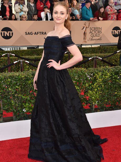 2016 screen actors guild awards red carpet a high fashion sophie turner opts for lbd on the red carpet at screen