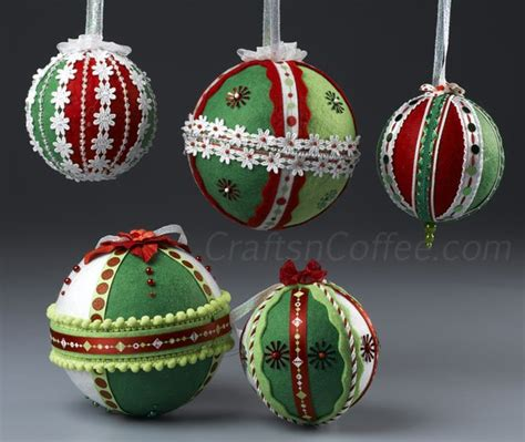Handmade Ornament - 50 wonderful and simple diy tree decorations