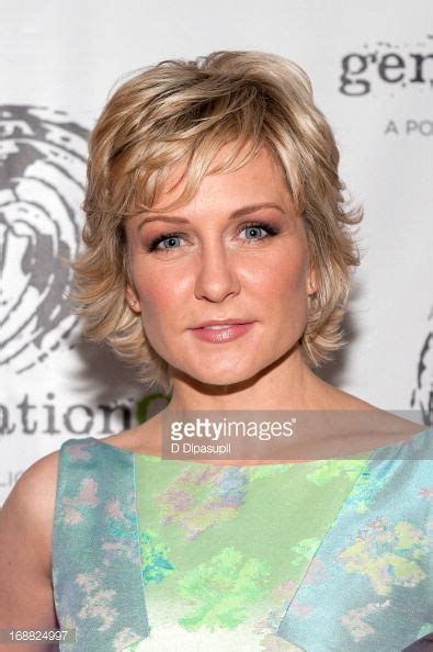 amy carlson hairstyles on blue bloods 2013 outstanding leadership in youth service benefit amy