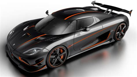 koenigsegg highway koenigsegg closes highway near vegas for top speed record