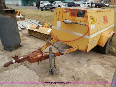 Leroi Dresser Air Compressor by 1990 Leroi Dresser 185 Air Compressor No Reserve Auction