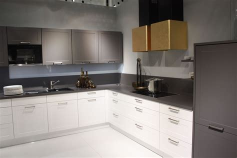 Setting Kitchen Cabinets Change Up Your Space With New Kitchen Cabinet Handles