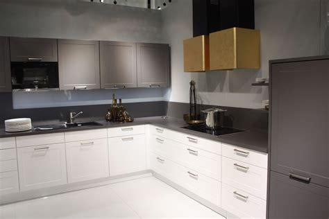 change   space   kitchen cabinet handles