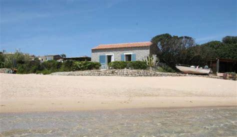 sulla spiaggia sardegna casetta sulla spiaggia santa teresa di gallura all in