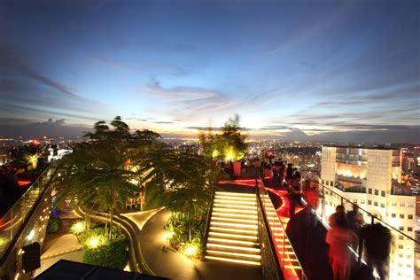 Top Bars Singapore by Best Rooftop Bars In Singapore Top Sky High