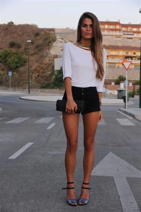 Ways To Look In Shorts by Fashionable Ways To Wear Shorts This Season And Look