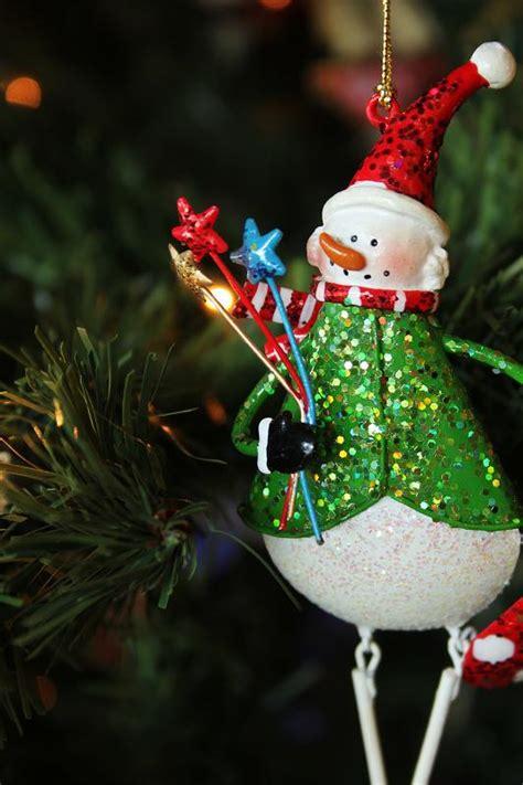 como decorar para navidad una oficina c 243 mo decorar un 225 rbol de navidad para la oficina uncomo