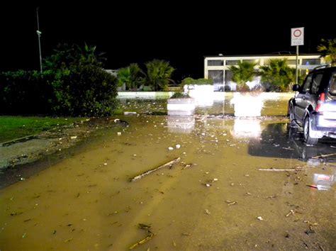 chalet mauro porto recanati le mareggiate flagellano la costa devastati alcuni chalet