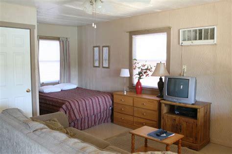One Bedroom In by Antlers Resort Marina 1 Bedroom Cabin Details