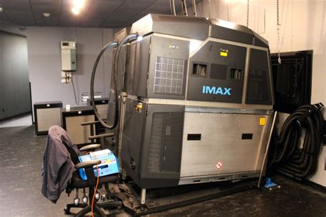 Proyektor Imax inside one of the world s most advanced imax theaters opening this week in seattle geekwire