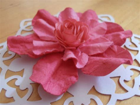 fiori in cartapesta fiori di cartapesta fiori di carta come realizzare