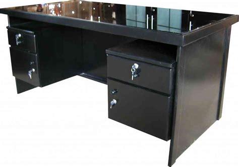 Meja Kantor Panjang gambar meja kerja kantor dengan komputer gambar meja