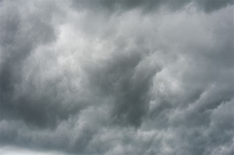 grey sky sky nature background wallpapers on desktop image of stormy sky with ominous grey clouds freebie