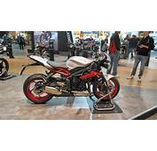2015 Triumph Street Triple 675RX Mixes Old And New At EICMA 2014 Live
