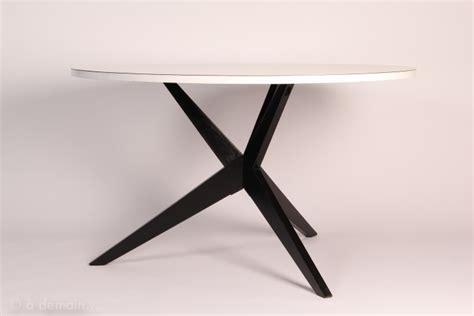 etageres bureau 1701 table quot popsicle quot par hans bellmann pour knoll circa 1950