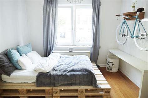 schlafzimmer europaletten ideen die besten 25 bett aus paletten ideen auf