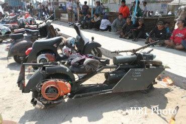 Modif Vespa Racing Harian by Komunitas Vespa Vespa Ekstrem Nusantara Berkumpul Di