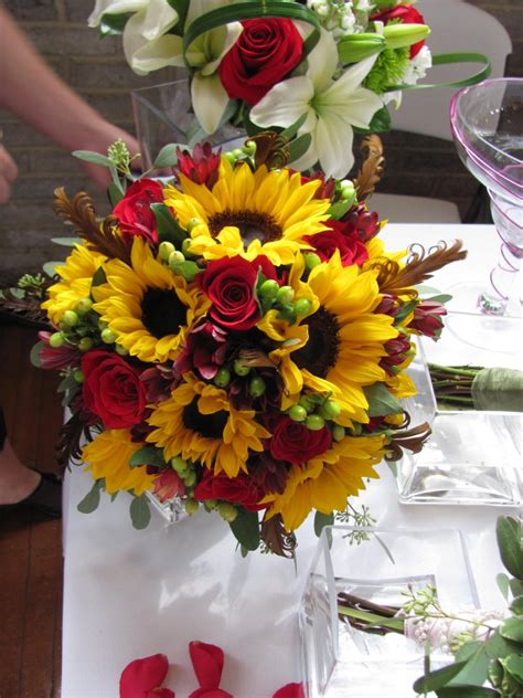 Wedding Bouquets Using Sunflowers by 2011 Wedding Bouquet Photos Bridal Bouquets Bloomin