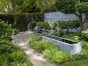 superba Fontane Moderne Da Giardino #1: brunnen-wasserspiel-im-garten-wasserbecken-zink-fountain-moderne-gartengestaltung-gartendesign-02-e1470163320376.jpg