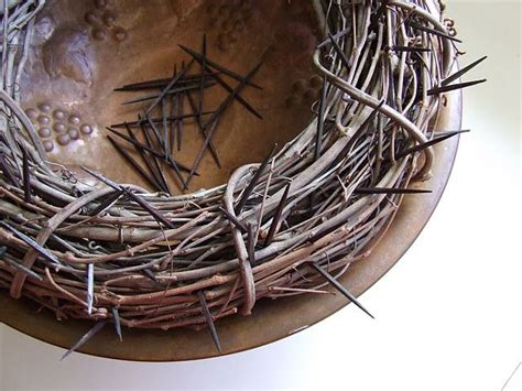 How To Make A Crown Of Thorns Out Of Paper - crown of thorns decoration this is great for