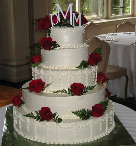 Traditional Wedding Cakes by Classic Traditional Look Even For The Wedding Cake