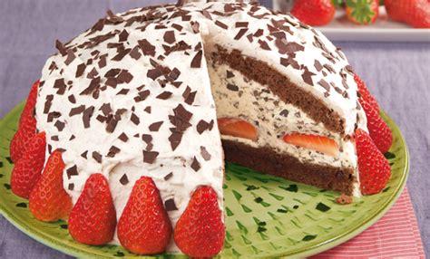 erdbeer stracciatella kuchen erdbeer stracciatella torte rezept tegut