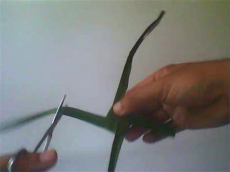 teknik kolase dari as kelapa viva cara membuat mainan tradisional kincir angin dari daun