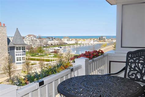 Light Harbor Rentals by All Harbor Country Featured Properties