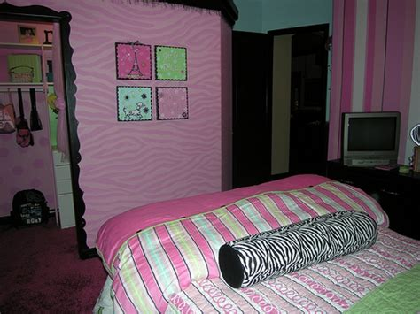bedroom decor teenage girl redoing the bedroom of a teenage girl bee home plan