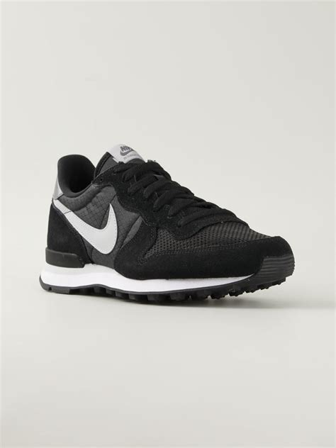 nike internationalist leather sneakers in black for lyst