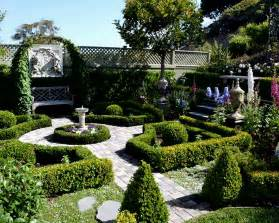 Informal English Garden Vs Formal French Garden How Formal Garden Design