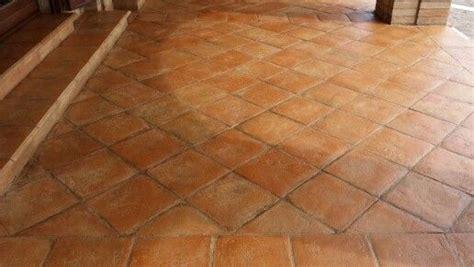 olio di lino per pavimenti in cotto trattamento pavimento in cotto fatto a mano con