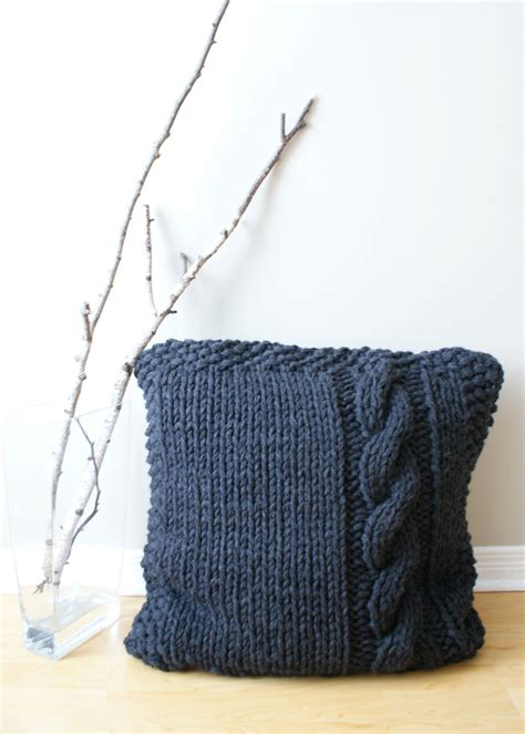 Knitting Pillow Patterns - diy knitting pattern chunky cable knit pillow cover