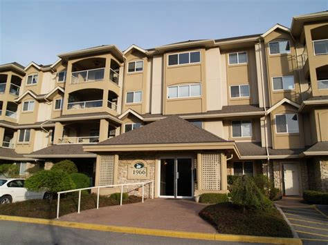 one bedroom apartment kelowna 2 bedroom apartments kelowna 28 images three bedroom downtown condo by beach with