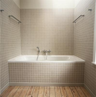 Pictures Of Tile Around Bathtub by Shower And Tub Ideas For A Small Bathroom With Pictures Ehow