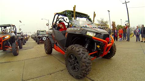 decorate rzr 1000 for christmas parade rzr s on parade rzr xp 1000 gopro 4
