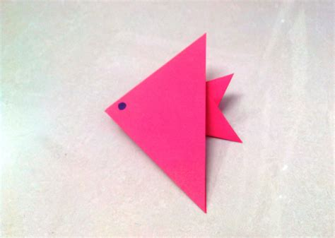 Simple Paper Folding Crafts - how to make an origami paper fish 1 origami paper